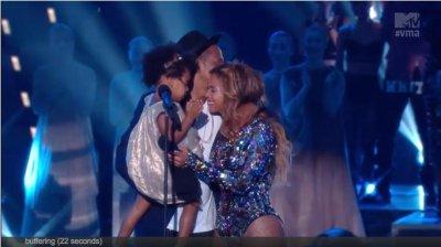 Blue Ivy, Jay Z bring Beyonce to tears at 2014 VMAs