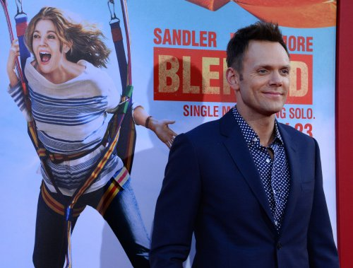 Joel McHale to continue hosting 'The Soup' through 2016