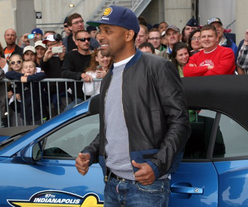 Mike Epps to star in new 'Uncle Buck' series for ABC