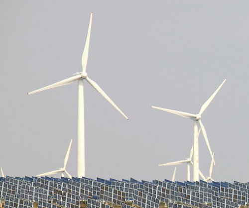 Low-carbon advocates say U.S. renewables breaking records