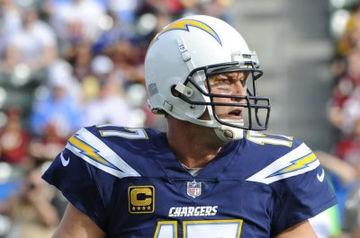 Los Angeles Chargers must beat Oakland Raiders for shot at playoffs