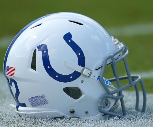 Report: Desir re-signs with Colts