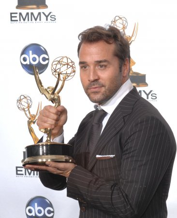 Piven says he'd love to return to B'way