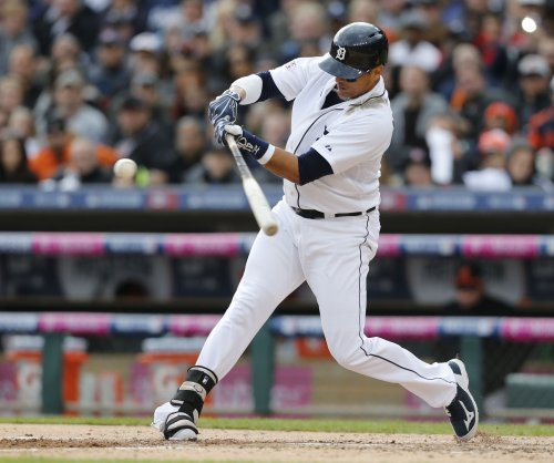 Victor Martinez, Detroit Tigers DH, has torn meniscus in left knee