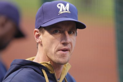 Milwaukee Brewers take advantage of Pittsburgh Pirates lineup changes