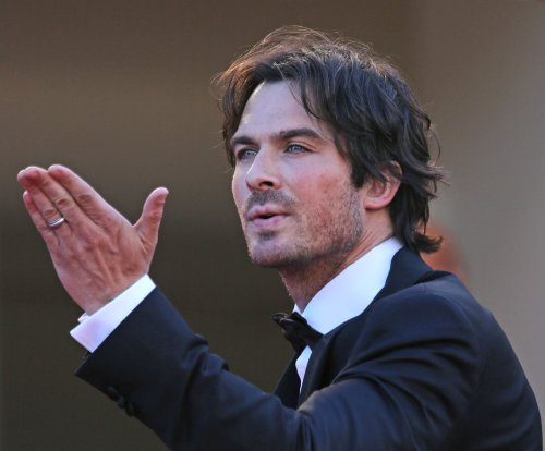 Ian Somerhalder strips down in 'The Vampire Diaries' teaser