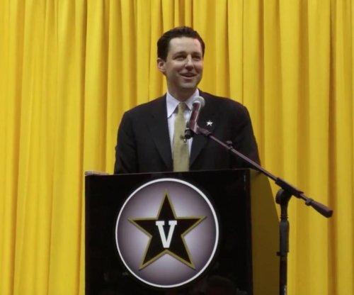 Vanderbilt welcomes Bryce Drew as coach