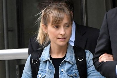 Allison Mack pleads guilty to racketeering in sex cult case