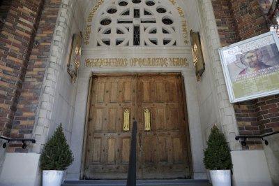 Orthodox Christians observe Easter amid COVID-19 lockdown
