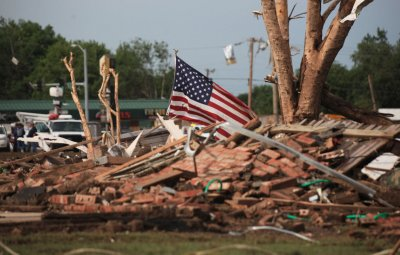 Debris removal becomes priority in Moore, Okla.