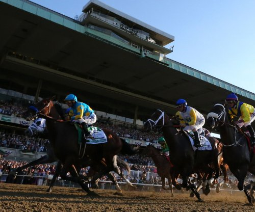 American Pharoah early 6-5 favorite at Breeders' Cup