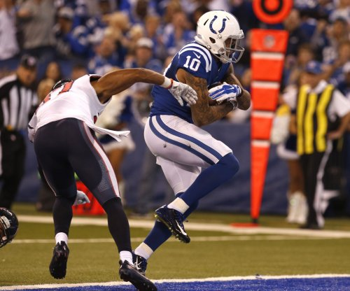 Indianapolis Colts sign WR Devin Street off New England Patriots' practice squad