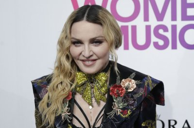 Madonna adopts 4-year-old twin girls from Malawi