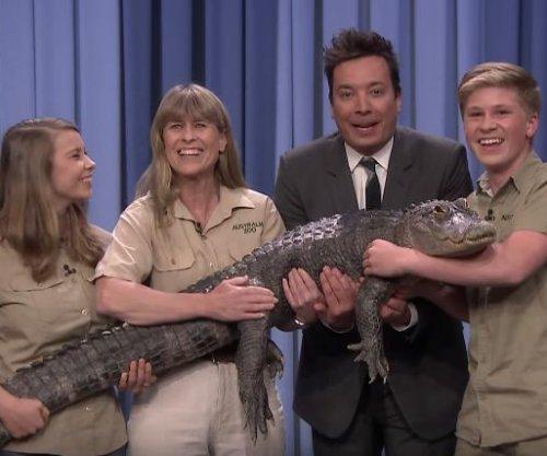 Robert Irwin brings baby goats, alligator to 'Tonight Show'
