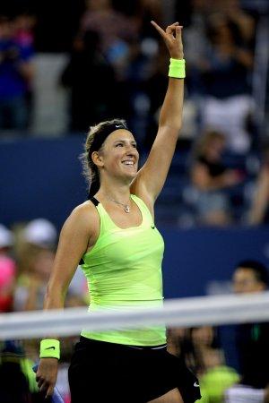 Azarenka moves on at U.S. Open