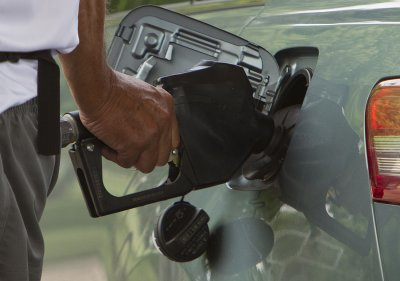 U.S. gasoline consumption declined in first half of 2013