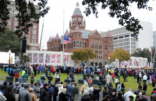 Dealey Plaza holds moment of silence for Kennedy anniversary