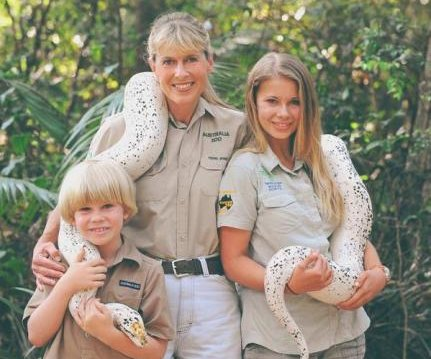 Bindi Irwin honors her father for Steve Irwin Day