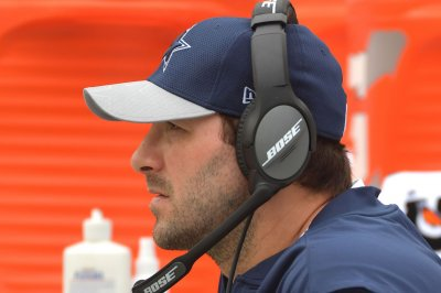Dallas Cowboys QB Tony Romo returns to practice