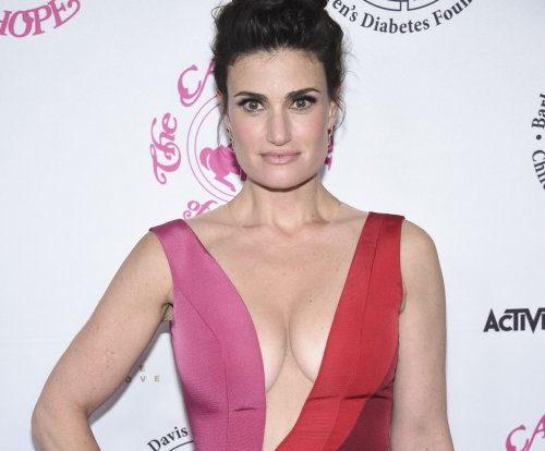 Idina Menzel's 'Beaches' re-make to premiere on Lifetime on Jan. 21