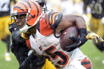 Fantasy Football: Cincinnati Bengals lose Giovani Bernard to torn ACL