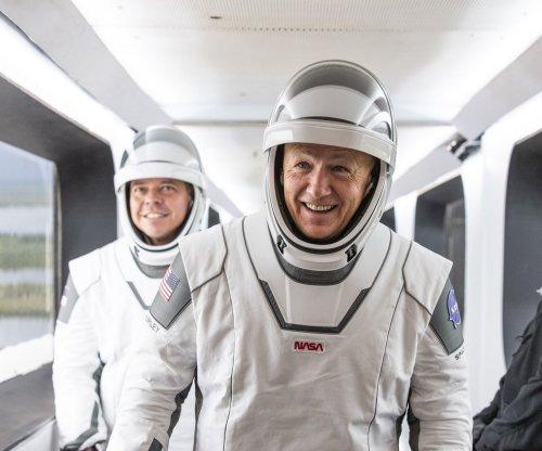 Storms postpone return of human spaceflight from U.S.
