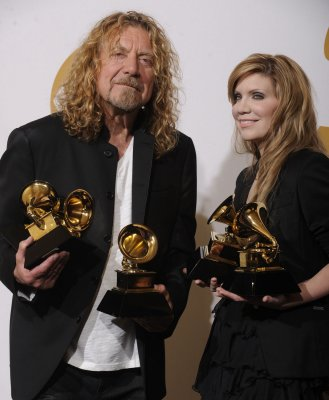 Robert Plant honored by Buckingham Palace
