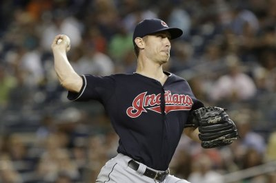 Cleveland Indians' Josh Tomlin breaks through with win