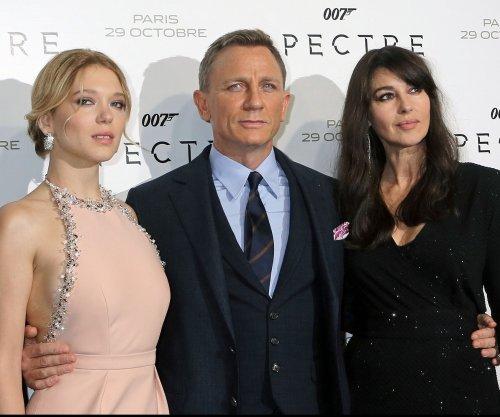 'Spectre' beats 'Harry Potter' in record-breaking U.K. opening