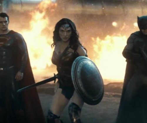 New 'Batman v Superman' trailer is serious superhero fun