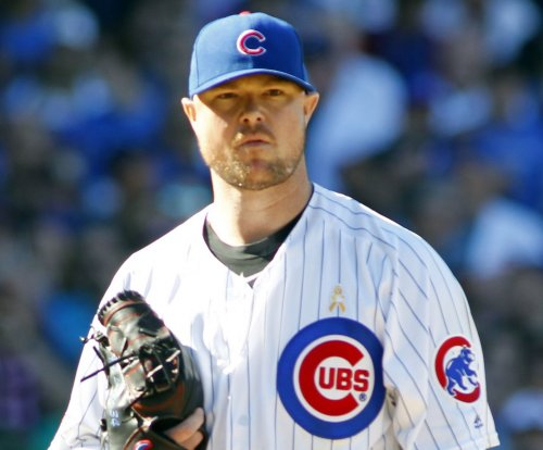 Jon Lester dominant as Chicago Cubs edge San Francisco Giants
