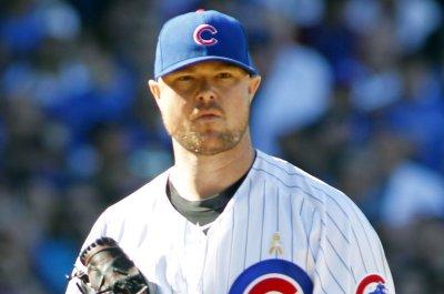 Jon Lester dominant as Chicago Cubs edge San Francisco Giants