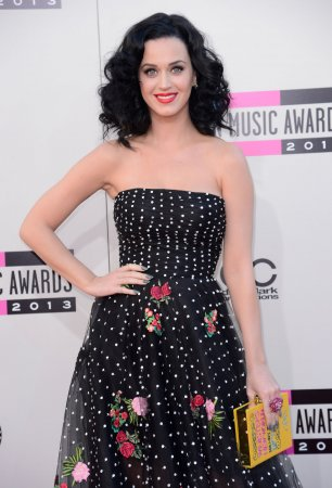 Katy Perry kicks off the American Music Awards ceremony