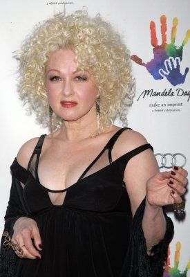 Lauper booked to play Emmys party