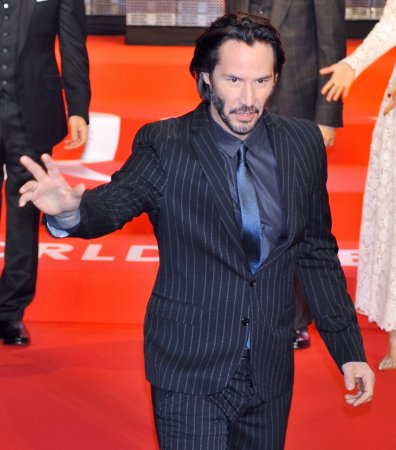 Keanu Reeves says he isn't involved in 'Point Break' remake