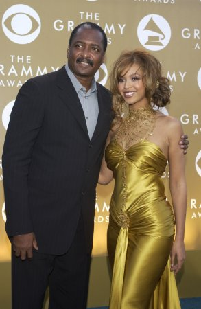 Mathew Knowles marries; Beyonce, Solange no-shows at wedding