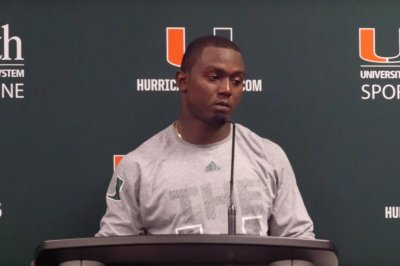 Miami's Joe Yearby decides to enter NFL Draft