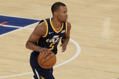 Rodney Hood, Utah Jazz rise up against San Antonio Spurs