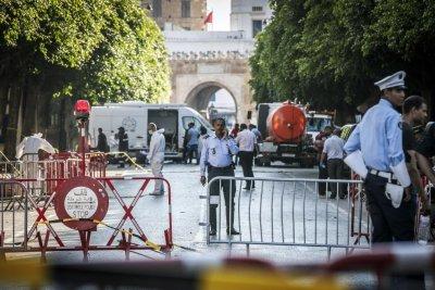 U.S. officials close Tunisia embassy after attacks