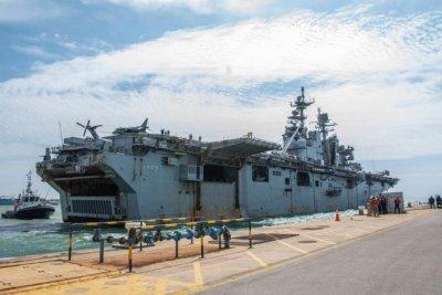 USS Iwo Jima arrives in Spain for repairs