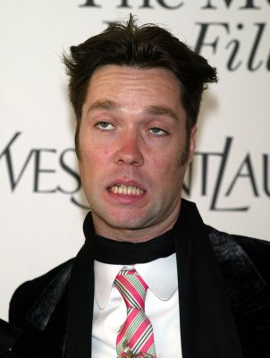 Rufus Wainwright ties knot with partner
