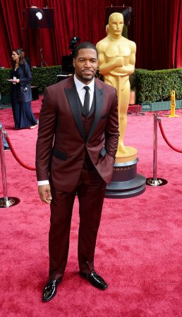 Michael Strahan makes $100K donation to Texas Southern University's marching band