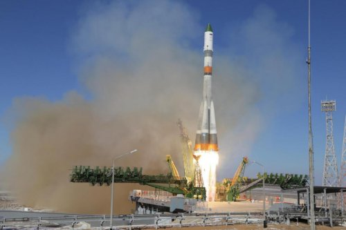 Russian space station resupply rocket launches, doesn't explode