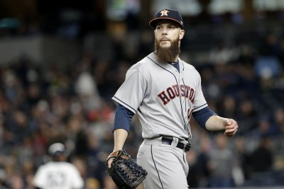 Dallas Keuchel pitches Houston Astros past Seattle Mariners
