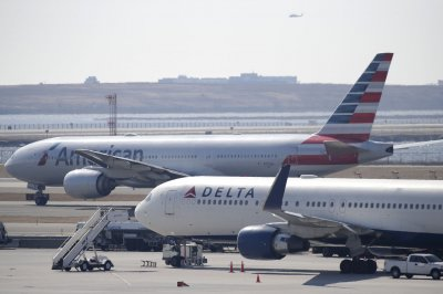 American, Delta end change fees for most U.S. flights