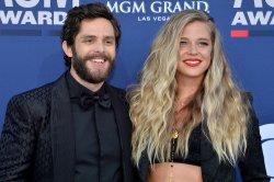Thomas Rhett, wife Lauren Akins to host 'CMA Country Christmas' special