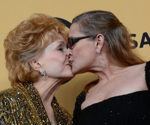 Debbie Reynolds dies one day after daughter Carrie Fisher