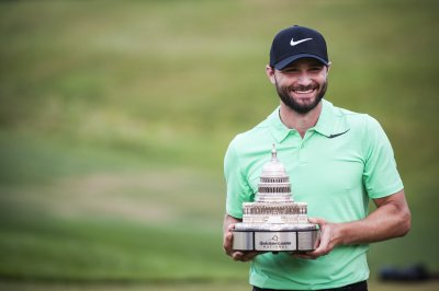 Tour Championship: Kyle Stanley nabs two-stroke lead