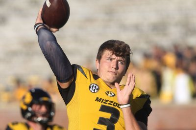 Missouri Tigers QB Drew Lock apologizes for insensitive tweets