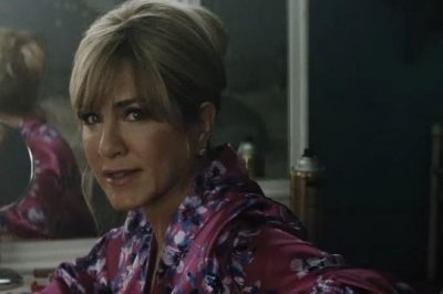 Jennifer Aniston is a former beauty queen in first trailer for 'Dumplin''